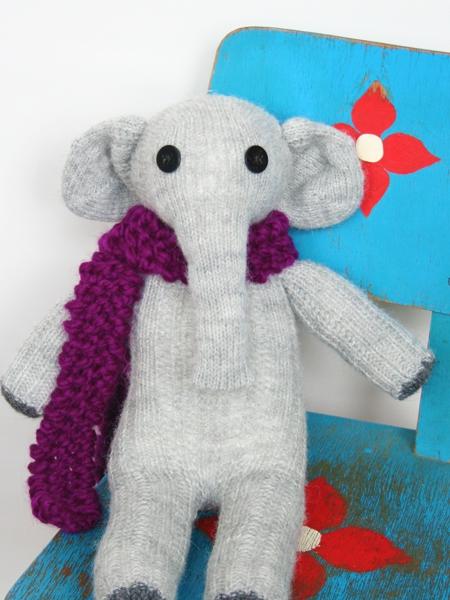 Elly - ein Babyelefant aus Socken