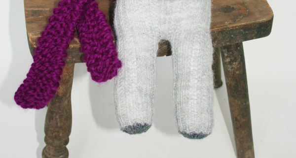 Seele und Füße baumeln lassen - Sockenelefant Elly