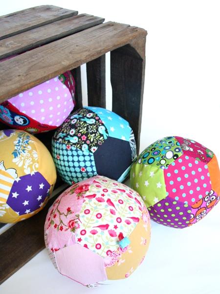 Ball aus Luftballon