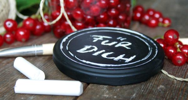 Marmeladenglasdeckel mit Tafellack lackieren