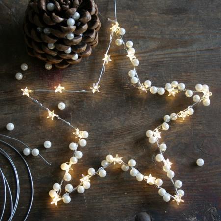 Draht, Lichterkette & Perlen